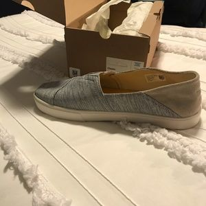 Toms white jersey stripe cupsole convertible shoes